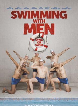 Regarde les hommes nager