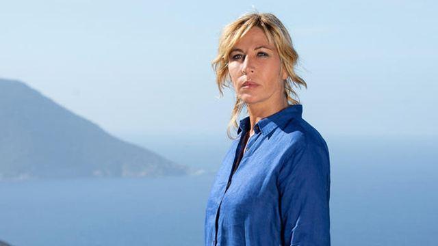 Le Temps est assassin : on était sur le tournage de la série événement de TF1 avec Mathilde Seigner