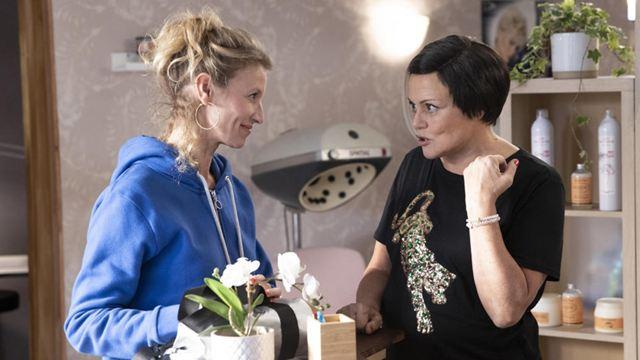 I Love You Coiffure sur TF1 : que pense la presse du téléfilm de Muriel Robin adapté de ses sketchs ?