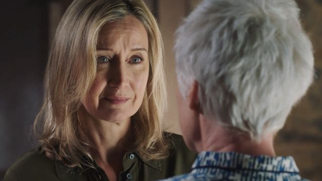 Ici tout commence : Claire et Olivia s'embrassent enfin [SPOILERS]