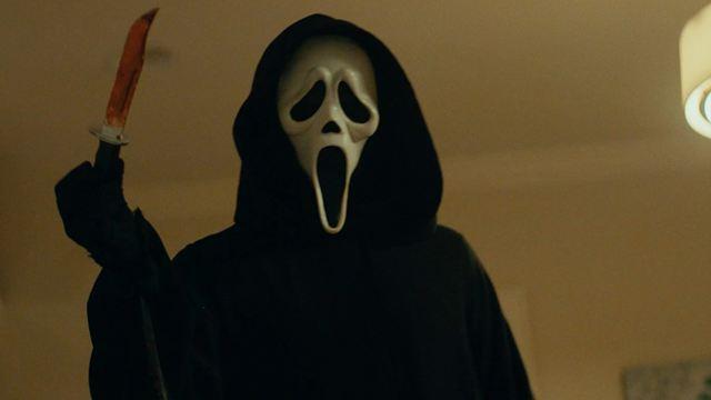 Scream : le tueur Ghostface traque les héros du premier film dans la bande-annonce sanglante
