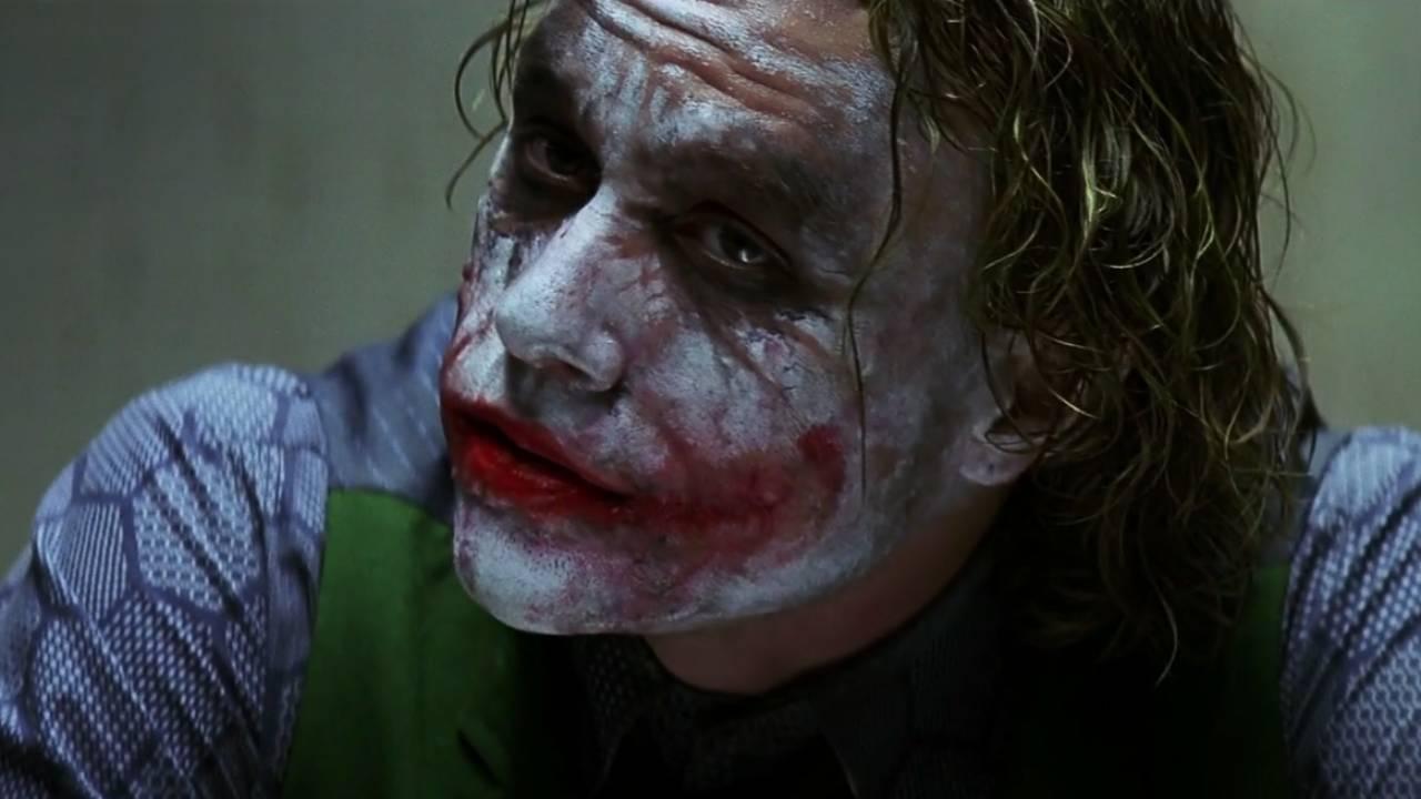 The Dark Knight : comment la saga a-t-elle géré la mort d'Heath Ledger ? - AlloCiné