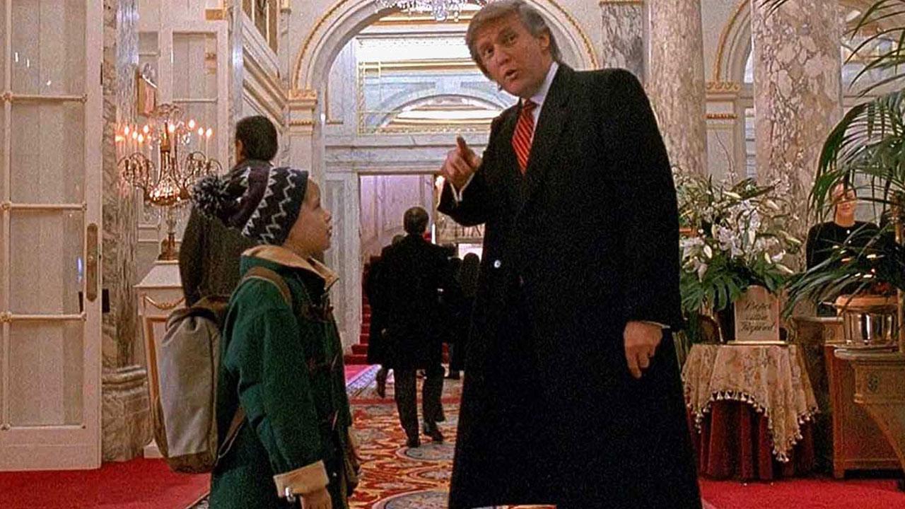 Maman j'ai encore raté l'avion sur TFX : quand Donald Trump imposait sa présence dans les films – Actus Ciné