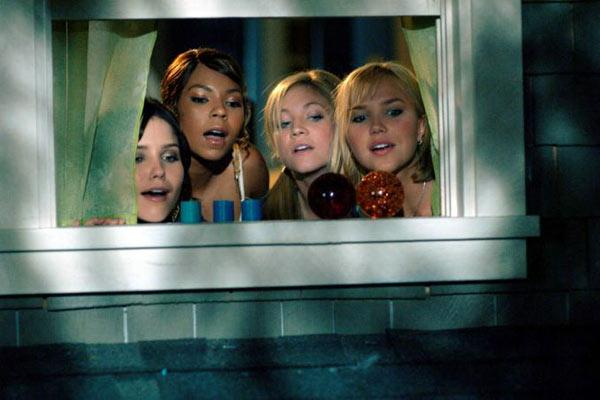 Sophia Bush, Ashanti, Brittany Snow et Arielle Kebbel