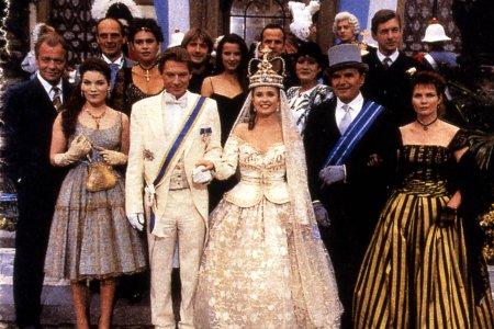 Sandra, princesse rebelle : Photo Andréa Ferréol, Bernard Yerlès, David Lowe, David Soul, Jean-Pierre Kalfon