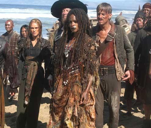 Pirates des Caraïbes : Jusqu'au Bout du Monde : Photo Geoffrey Rush, Mackenzie Crook, Naomie Harris
