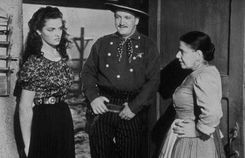 Le Banni : Photo Howard Hughes, Jane Russell, Joe Sawyer