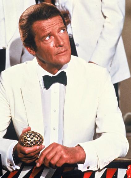 Roger Moore a été le plus vieil interprète de James Bond
