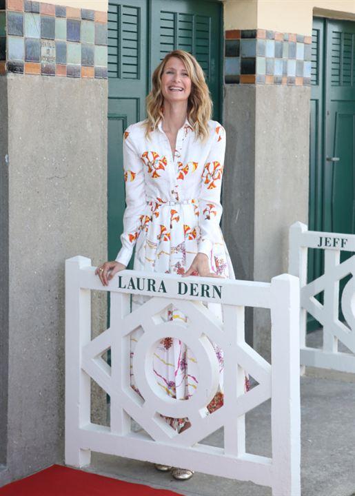 Laura Dern inaugure sa cabine