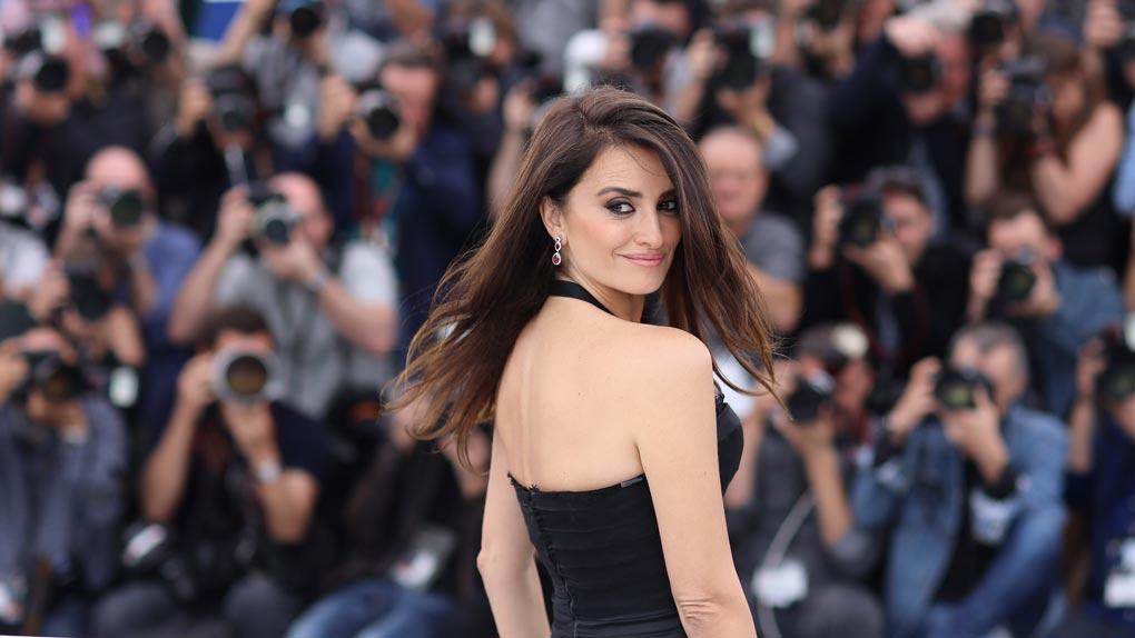 Penelope Cruz charme les photographes de Cannes