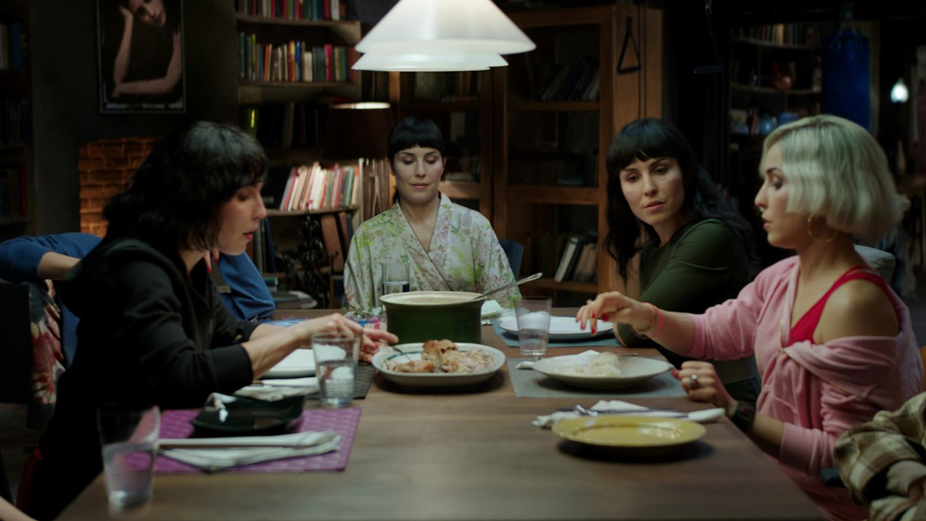 "Noomi Rapace dans ""Seven Sisters"" : 7 personnages"