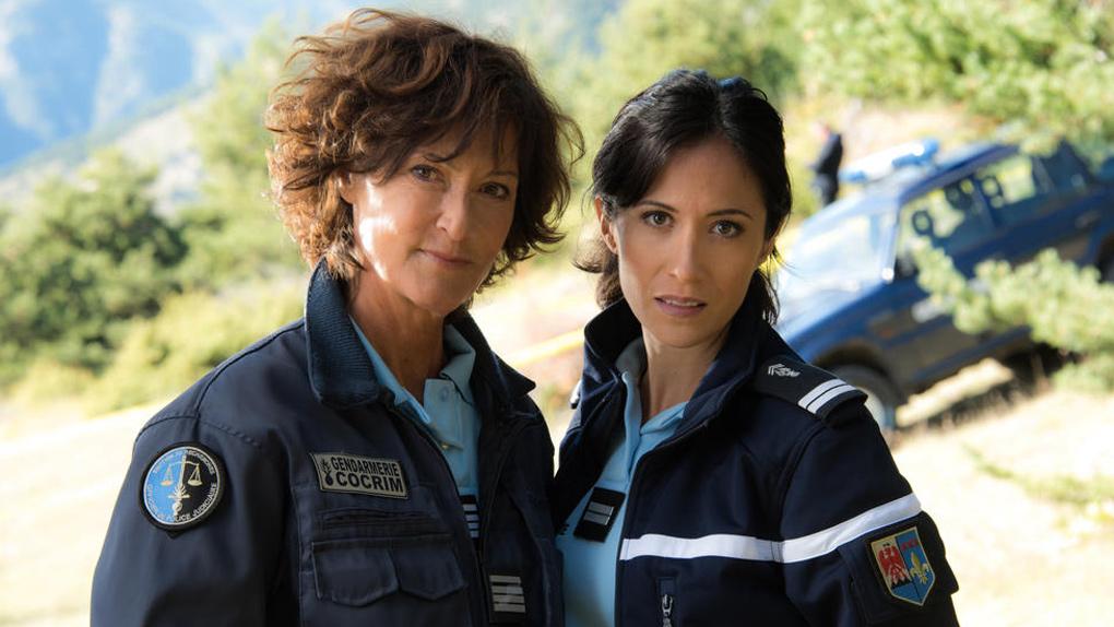 Fabienne Carat et Chrystelle Labaude dans Section de recherches en 2015
