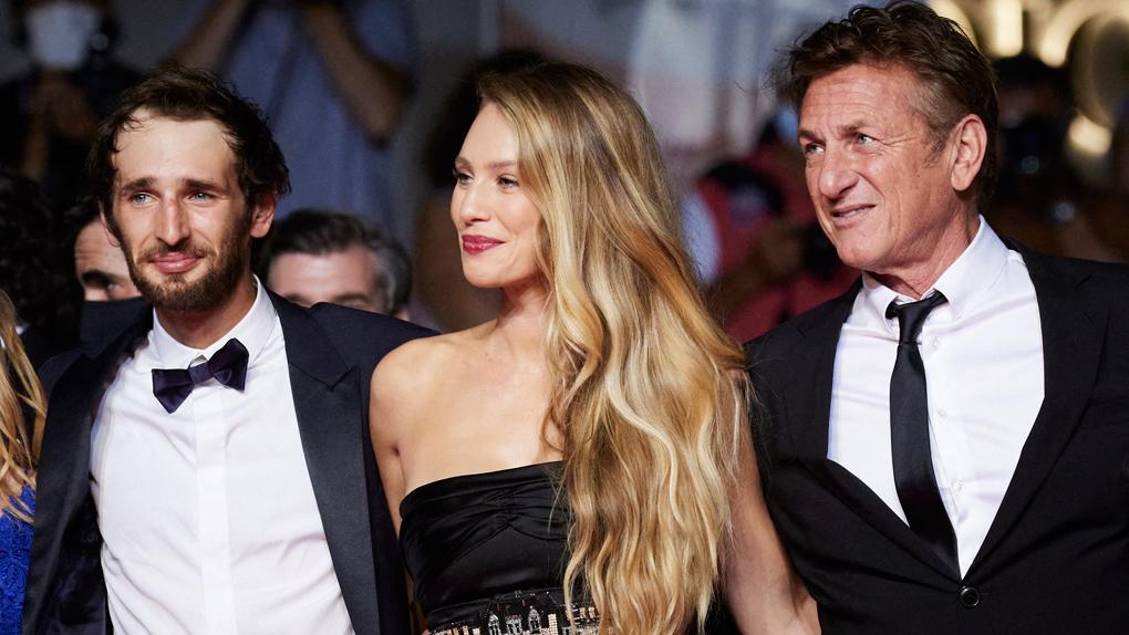Sean Penn entouré de son fils Howard Jack et de sa fille Dylan
