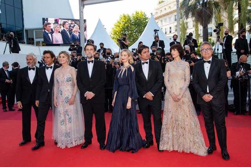"""L'équipe de """"Tre Piani"""" sur le tapis rouge"""