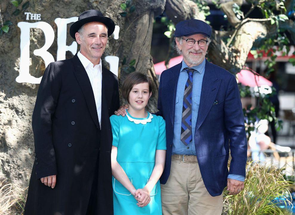 Le BGG – Le Bon Gros Géant : Photo promotionnelle Mark Rylance, Ruby Barnhill, Steven Spielberg