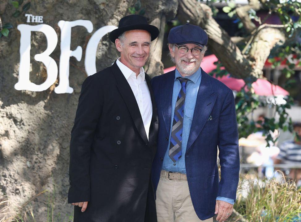 Le BGG – Le Bon Gros Géant : Photo promotionnelle Mark Rylance, Steven Spielberg