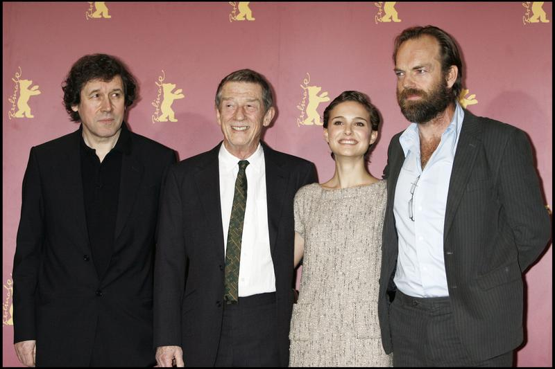 V pour Vendetta : Photo promotionnelle Hugo Weaving, John Hurt, Natalie Portman, Stephen Rea
