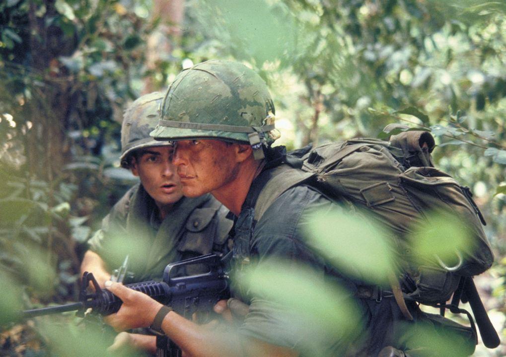 Platoon : Photo Charlie Sheen, Tom Berenger