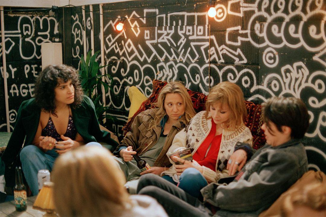 Photo Caoilfhionn Dunne, Desiree Akhavan, Hannah Almond, Niamh Algar