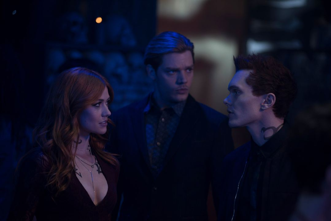 Photo Dominic Sherwood, Katherine McNamara, Luke Baines (I)