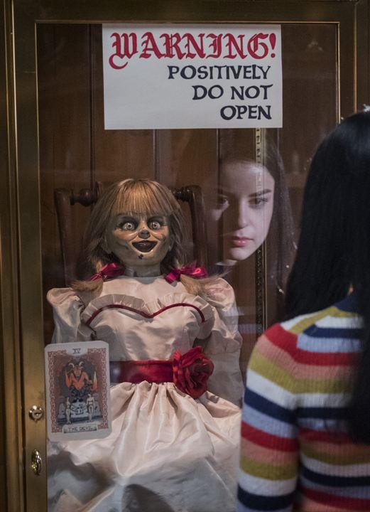 Annabelle – La Maison Du Mal : Photo Katie Sarife
