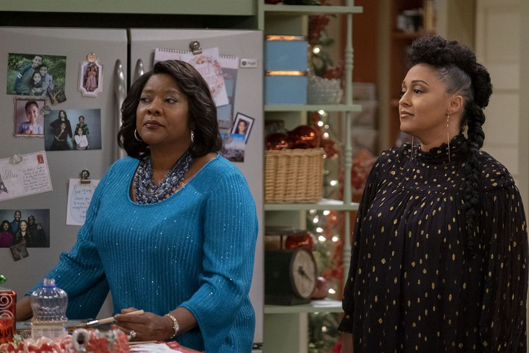 Photo Loretta Devine, Tia Mowry-Hardrict