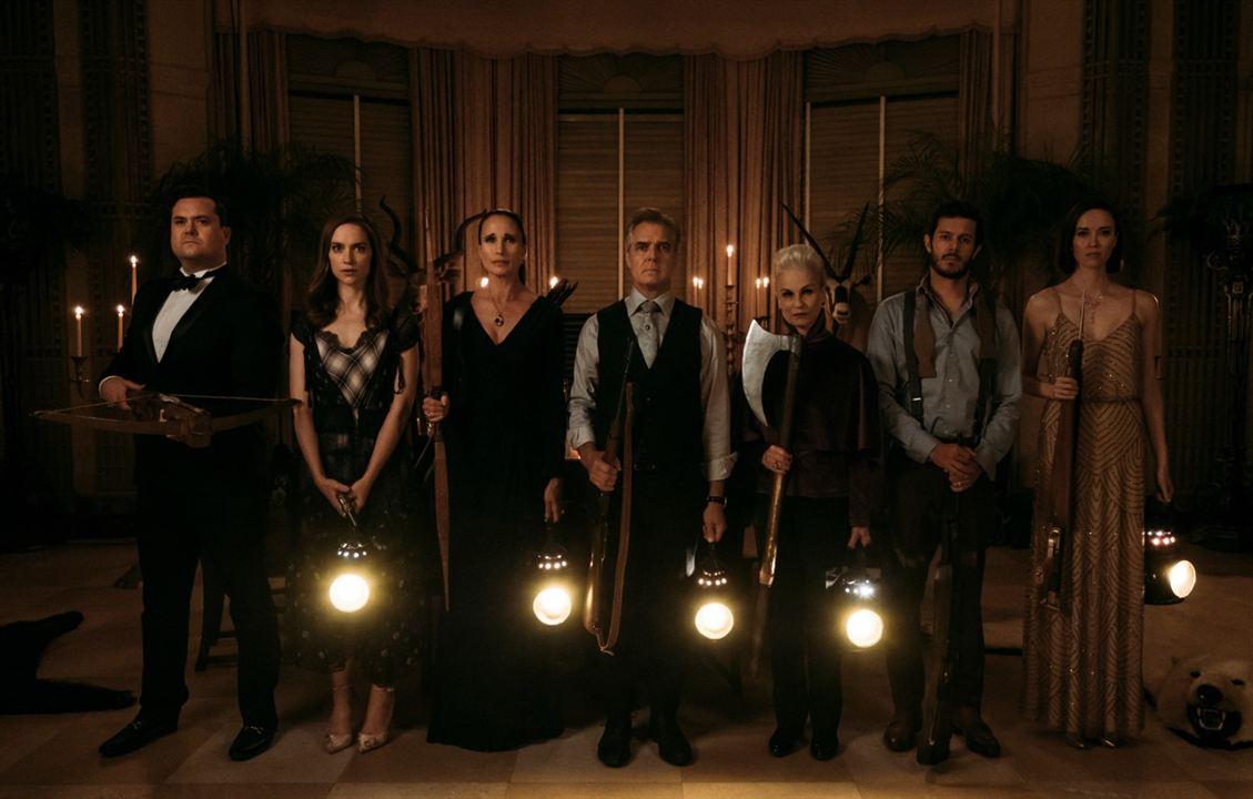 Wedding Nightmare : Photo Adam Brody, Andie MacDowell, Elyse Levesque, Henry Czerny, Melanie Scrofano