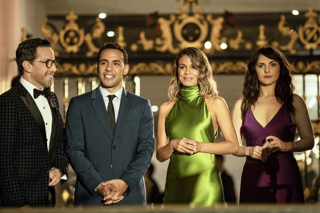 Photo Dan Bucatinsky, Georgina Reilly, Nathalie Kelley, Victor Rasuk