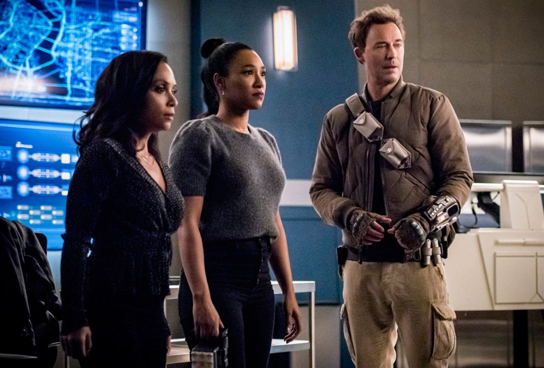 Photo Candice Patton, Danielle Nicolet, Tom Cavanagh