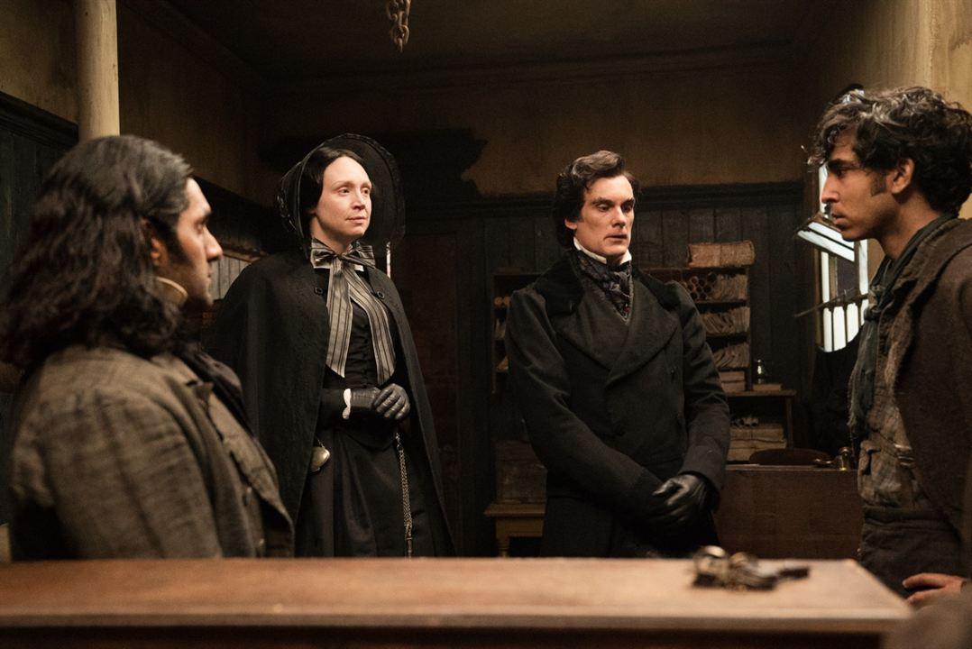 L'histoire personnelle de David Copperfield : Photo Darren Boyd, Dev Patel, Gwendoline Christie