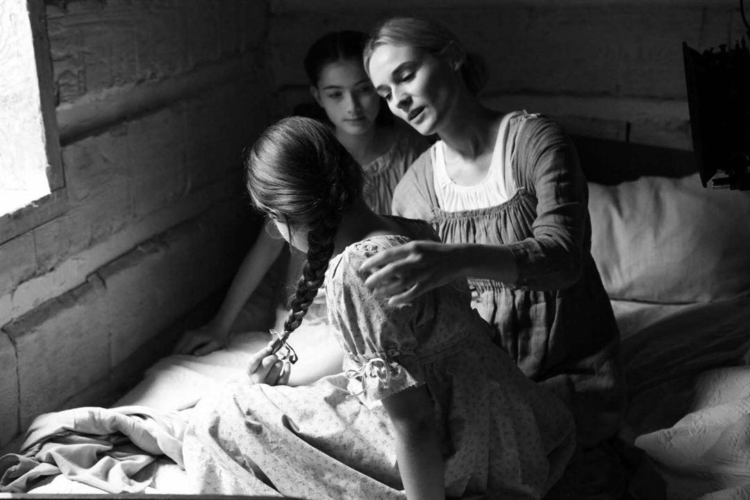 Sous l'aile des anges: Diane Kruger, Madison Stiltner