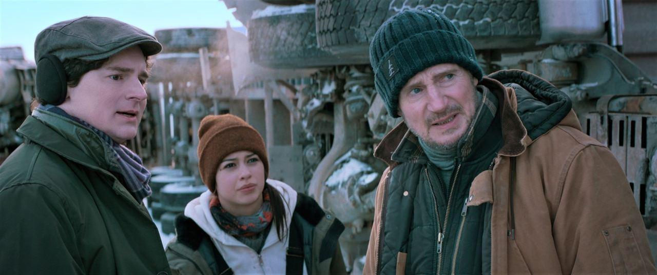 Ice Road : Photo Amber Midthunder, Benjamin Walker, Liam Neeson