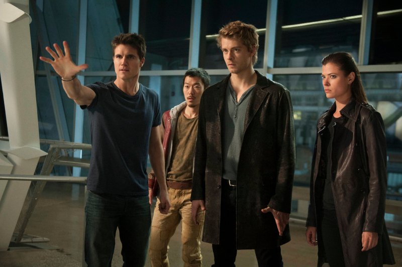 Photo Aaron Yoo, Luke Mitchell, Peyton List (I), Robbie Amell