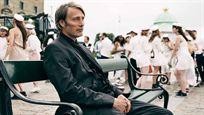 """Les Animaux fantastiques 3 : Mads Mikkelsen pense qu'il sera """"difficile"""" de succéder à Johnny Depp"""