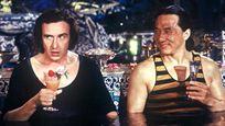 Le Tour du monde en 80 jours : quel acteur français donne brièvement la réplique à Jackie Chan ?