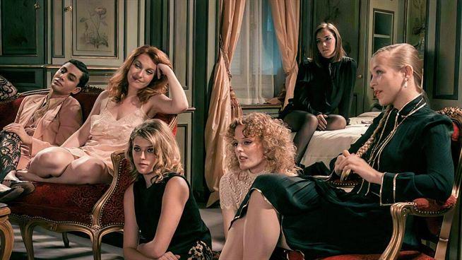 Madame Claude sur Netflix : que pense la presse du film sur la reine de la prostitution ? – Actus Ciné